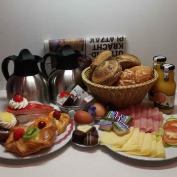 Ambachtelijke Bakkerij Peters - Leens - Ontbijt